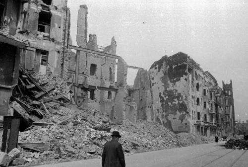 Разрушенный Берлин. 1945